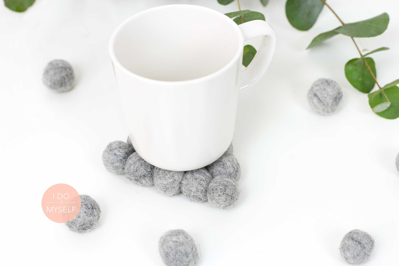 Cute woolen coasters