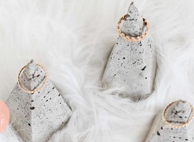 DIY 65 – Pyramide bijoux en béton